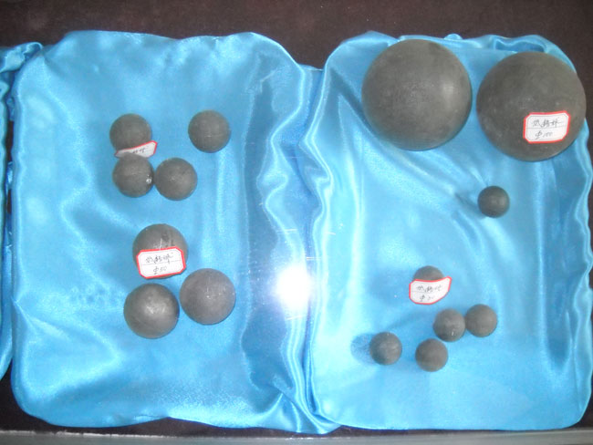 Low chrome alloy casting ball segment4